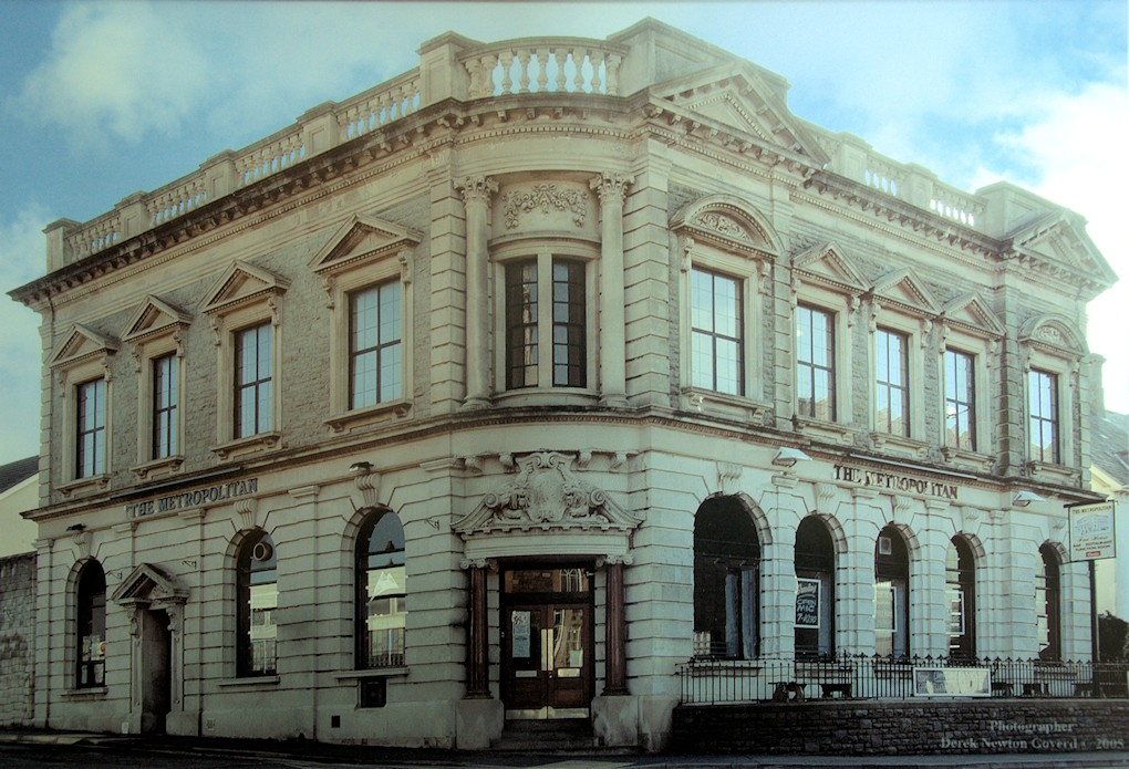 The Metropolitan Building Llanelli. Photo copyright Derek Newton Goverd 2005