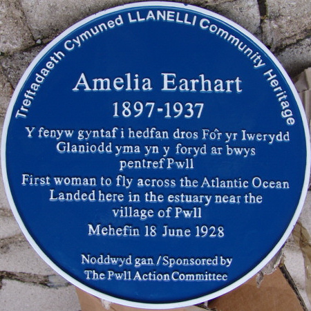 Amelia Earhart Blue Plaque