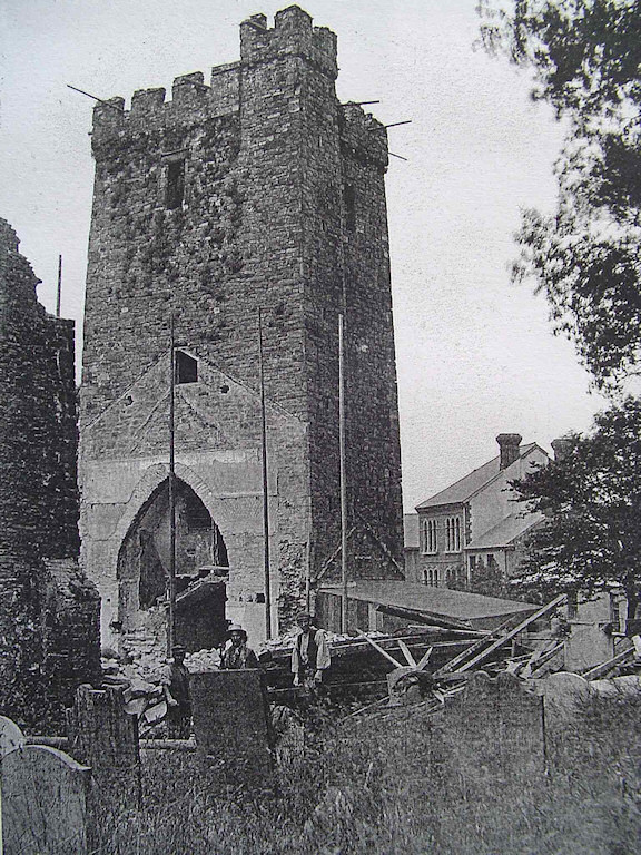 Llanelli Parish Church about 1905 - Photograph courtesy Llanelli Reference Library
